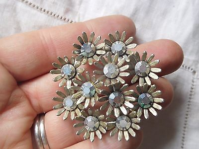 Wonderful Vintage 1950s Grey Crystal DAISY Brooch signed WEISS