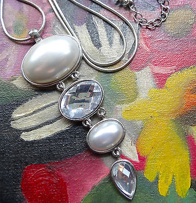 vintage clear rhinestone faux pearl pendant necklace silver tone 80s / 90s -C521