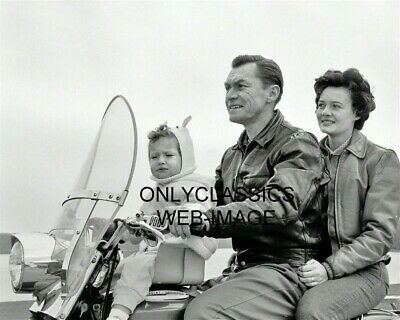 1962 Harley Davidson Motorcycle Cute Baby Seat On Gas Tank Photo Perfectly Safe?