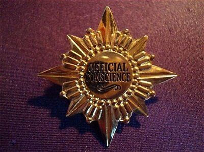 Old Disney pin WDCC Official Conscience Jiminy Cricket Badge Gold Star Burst