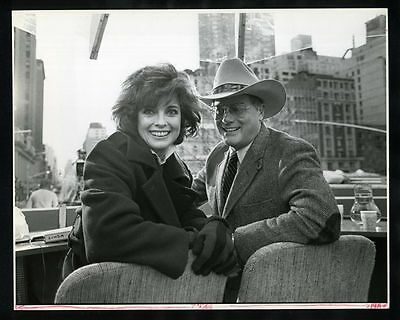 1983 LINDA GRAY & LARRY HAGMAN Macy's Thanksgiving Day Parade Original Photo gp
