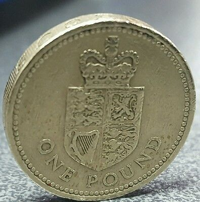 Rare £1 Crowned Royal Shield £1 Coin 1988 Collectable⭐