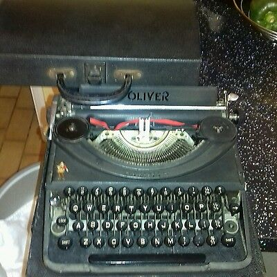 antique/collectable oliver portable type writer