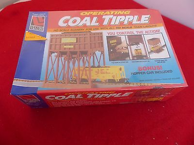 Life-Like Trains operating Coal Tipple & hopper car in original unopened box
