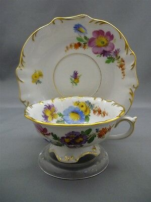 Meissen Germany Porcelain Dresden Flowers * Star HAND PAINTed Tea Cup Saucer ^