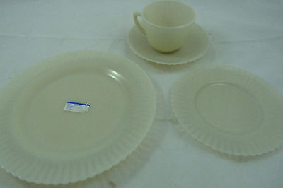 Vintage Macbeth Evans Depression Glass Petalware Cremax Place Setting Cup Saucer