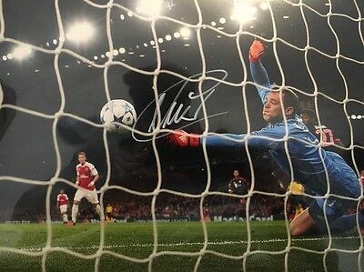 MANUEL NEUER SIGNED BAYERN MUNICH CHAMPIONS GERMANY 8x12 PHOTO COA