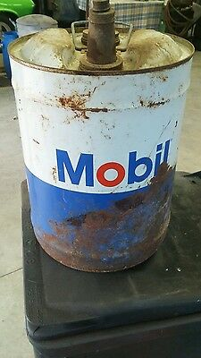 MOBIL MOBILUBE MOTOR OIL 5 GALLON GAS CAN TIN FILLING STATION OLD FARM petroleum