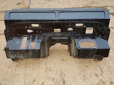 Land Rover Defender Tdci 2.4 PUMA BARE bulkhead NO DAMAGE OR RUST