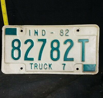 Vintage Indiana Metal Truck License Plate~1982 82782T~Green/White