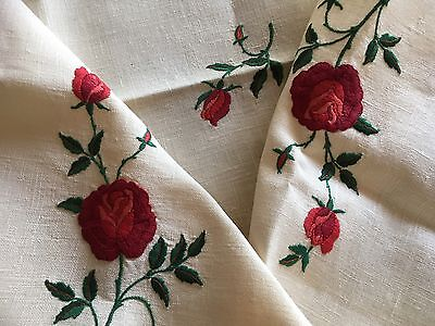 Vintage Linen Red Rose Embroidered Crochet Edge Tablecloth Tea Cloth Unused Exc