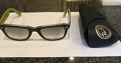 Ray Ban Unisex Two Tone Black/Green Wayfarer Sunglasses With Case Good Cond.
