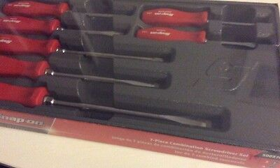 SNAP ON 7 Piece Combination Screwdriver Set RED. NEW CLASSIC SDD HANDLES