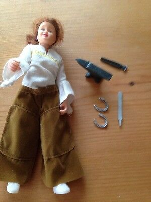 Lady Farrier Set Breyer Traditional 1:9
