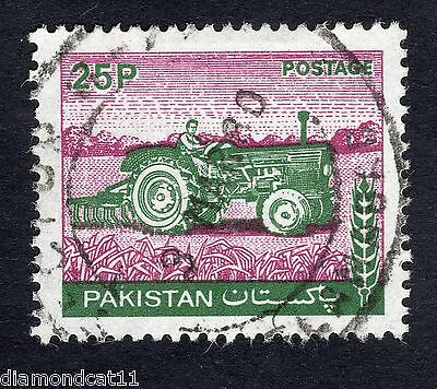 1978 Pakistan 25p Tractor SG 469 Very Good Used R12873