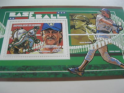 Guinea-1990-famous people,space,train-baseball, Robin Yount-BL.368