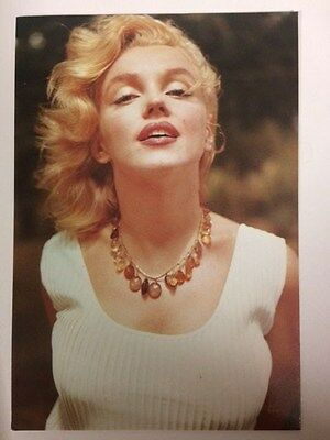 MARILYN MONROE POSTCARD 1957 in white dress with necklace by Sam Shaw (CSF)