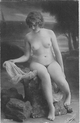 French NUDE real photo postcard circa 1920 GRISETTE38