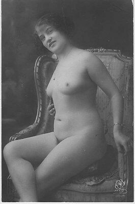 French NUDE real photo postcard circa 1920 PARIS1004