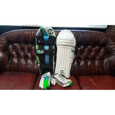 BOSS Cricket LE Batting Gloves and LE Batting Pads BUNDLE (Right & Left Handed)