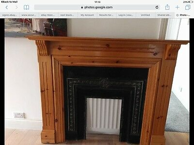 Fire surround and cast iron fire back