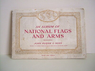 CIGARETTE CARDS . PLAYERS . NATIONAL FLAGS AND ARMS .1930s . FULL SET IN ALBUM .