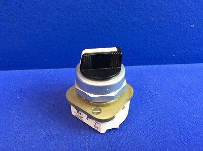 Allen Bradley 800T-J2 3-Position Selector Switch