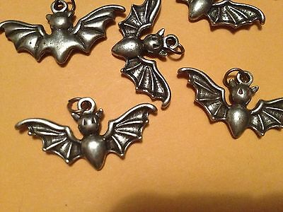 Lot 10 New GOTH CUTE BAT PEWTER CHARMS ZIPPER PULL JEWELERY