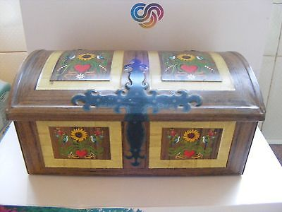 VINTAGE TIN CHEST EMBOSSED FLOWERS JEWELLERY TRINKET 8x5x4 INCHES EXCELLENT