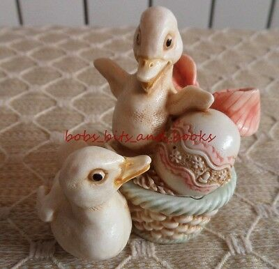 Harmony Kingdom Jaika Ducks In Easter Basket Treasure Jest