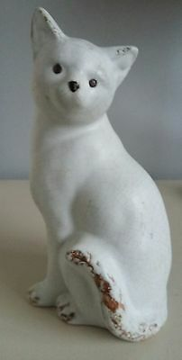Bourne denby danesby ware cat? unmarked.