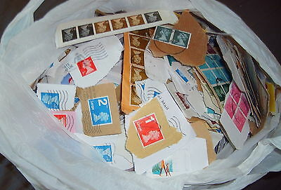 Free Worldwide Postage, 2Kg Great Britain Definitives On Paper, Sorted Kilo Ware
