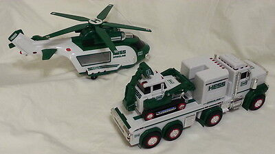 Hess 2013 articulated toy truck with tractor Flashing lights, siren & helicopter