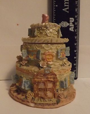 Boyds Bear Resin Figurine Bailey's Frosted Cottage