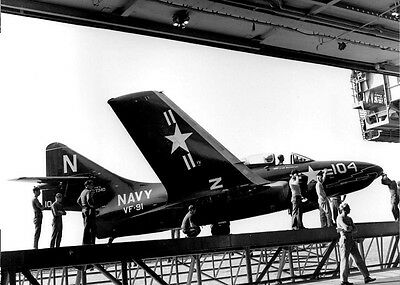 "Photo 7x5"" GRUMMAN F9F [01]"
