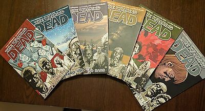 The Walking Dead graphic novels volumes 1 to 6 (1, 2, 3, 4, 5, 6)