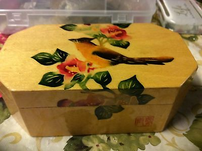(China): Fine Chinese wood box with flowers and bird beautiful early 1900's