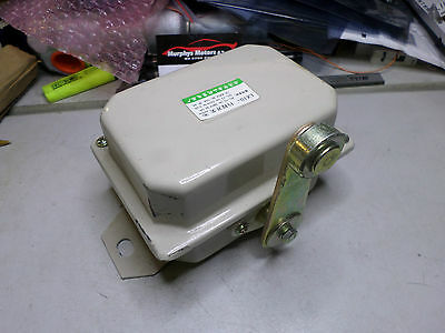 HEAVY DUTY METAL CASED LIMIT SWITCH -- LX10 - 1 x N/C and 1 x N/O Contacts
