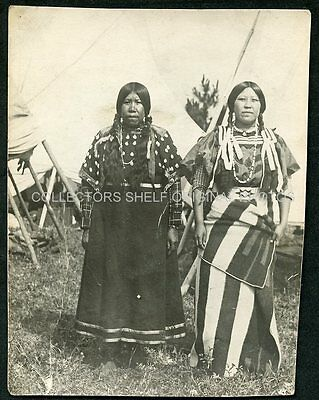 NATIVE AMERICAN INDIAN WOMEN IN TRADITIONAL DRESS c1915 RPPC Photo Postcard