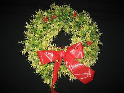 Vintage 1960s Plastic Holly Leaves & Berries Christmas Door Wreath