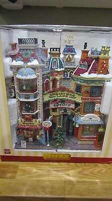Lemax - Christmas Lane - Requires 3 X AA Batteries - Brand New In Box