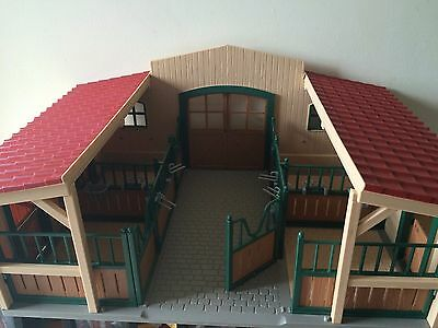 Schleich Toy Horse Stable 42103 With Wooden Jump Set