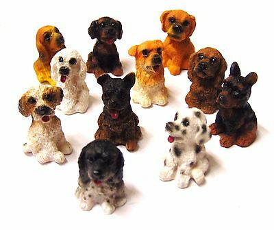 1:12 Scale Dolls House Miniature Sitting Resin Dogs Puppies Pet Animal Accessory