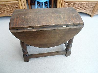 Small Antique Drop Leaf Table/Coffee Table