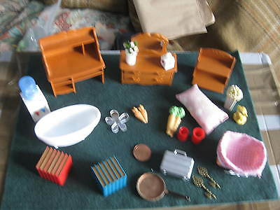 Assorted Dolls House Furniture. Bath. Flowers etc. Mixed sizes