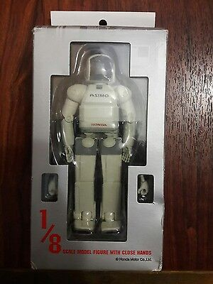 HONDA! Humanoid Robot Asimo 1/8 Scale Action Figure with Close Hands JAPAN