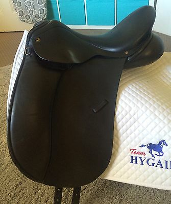 Klimke dressage saddle by Trainers 17.5