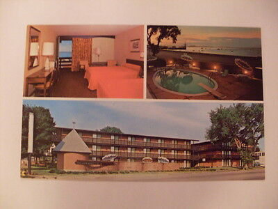 1970's Governor Bradford Motel Plymouth Massachusetts MA Postcard y5877