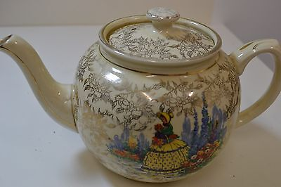 Sadler Teapot Cream with Gold leaf, 1157  made in England