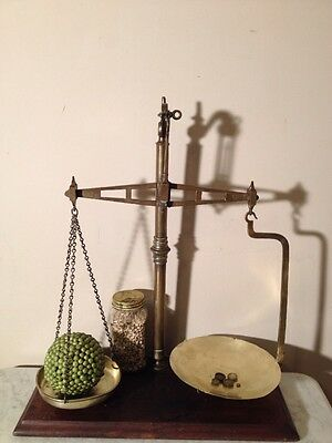ANTIQUE Bartlett & Sons AGATE BALANCE KITCHEN SCALES w BRASS PANS from ENGLAND